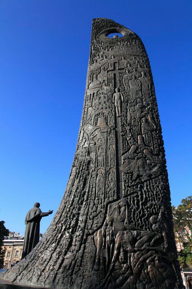 Un monument à la mémoire du poète Taras Chevchenko en Ukraine