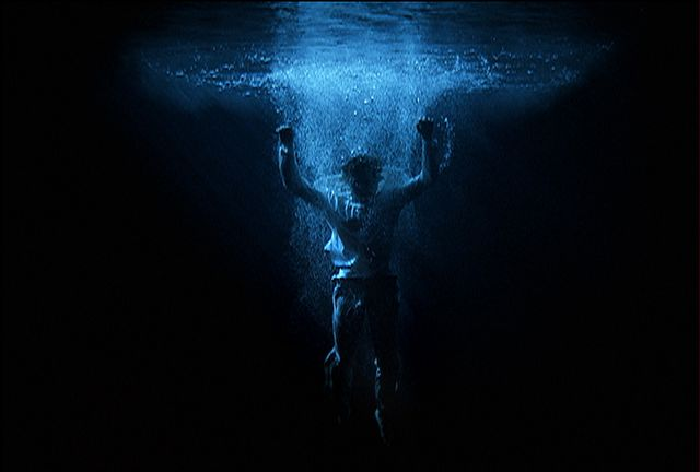 Bill Viola - Ascension 2000 - photo Kira Perov