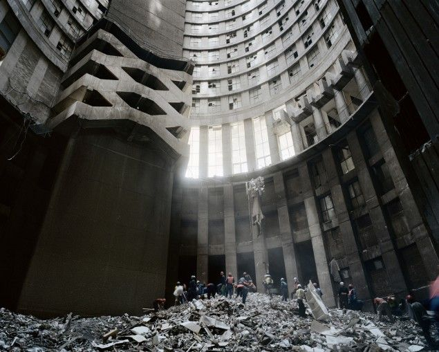 Michael Subotzky & Patrick Waterhouse, Ponte City, 2008-2013