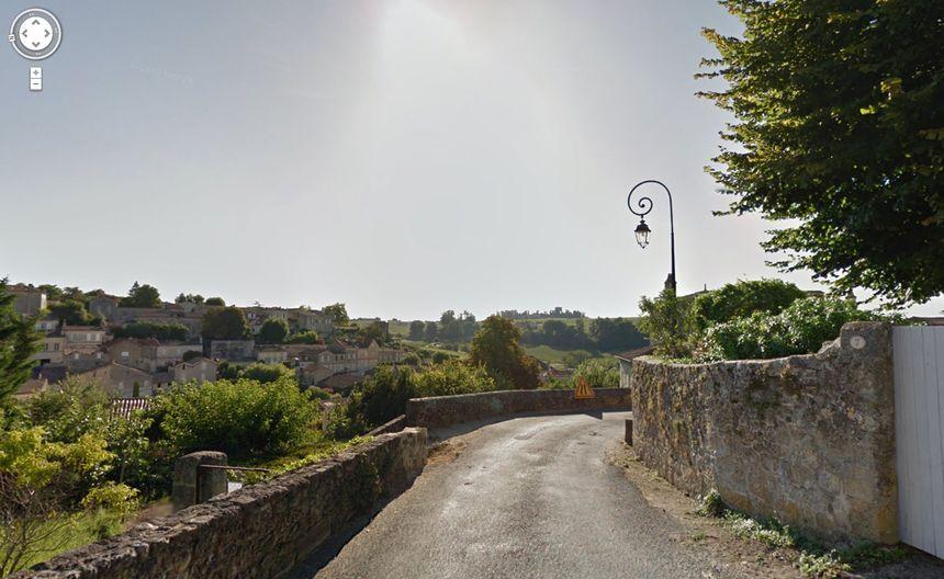 Le village de Saint-Emilion vu pas Google Street View