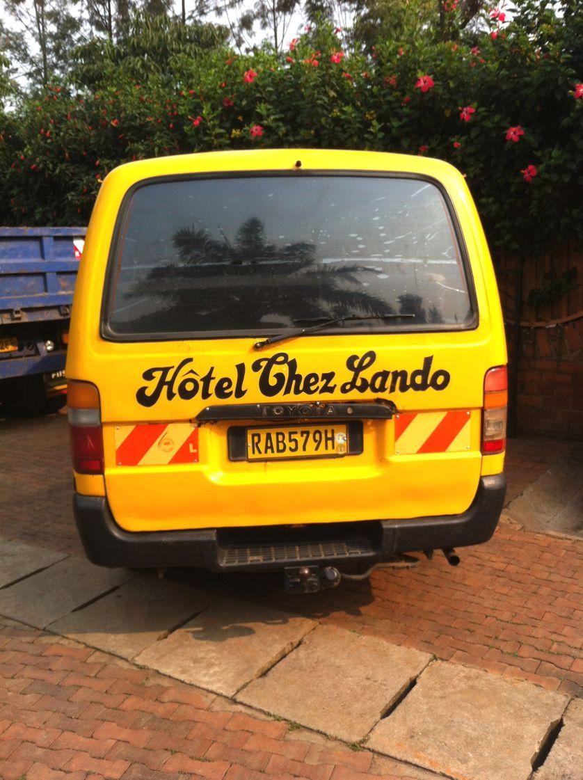 "Van de l'hôtel ""Chez Lando"""
