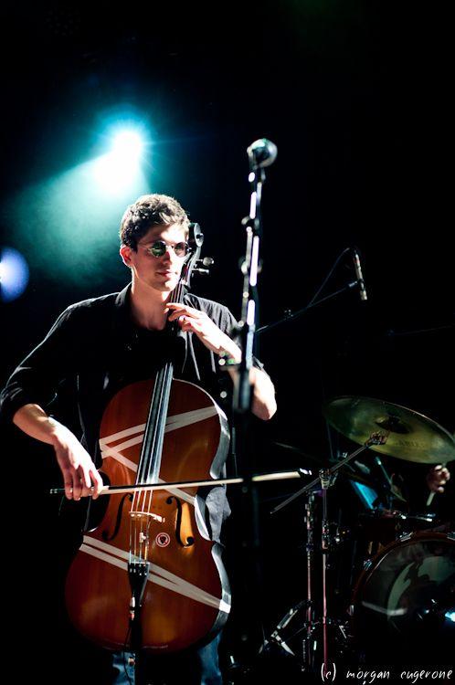 Adnan Joubran-Valentin au violoncelle