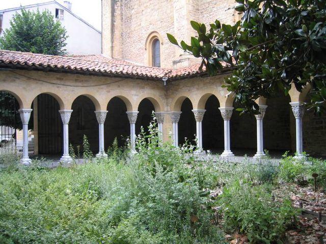 Saint-Gaudens (Haute-Garonne) - Jardin du cloitre de Saint-Gaudens