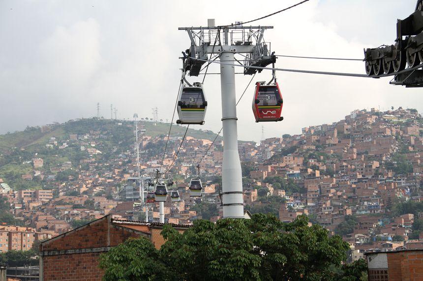 Le metrocable du quartier San Javier comporte 85 à 90 cabines POMA