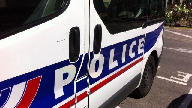 Clone of Une voiture de police - Image d'illustration