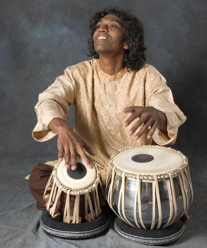 Adnan Joubran-Prabhu joueur de tablas