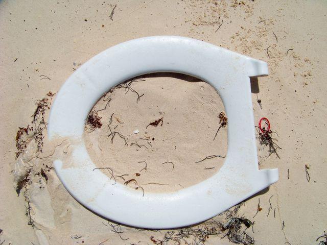 déchets sur la plage