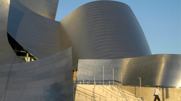 En plein séisme, l'Orchestre philharmonique de Los Angeles ne panique pas