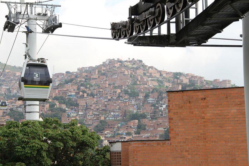 Le metrocable du quartier San Javier construit en 2008