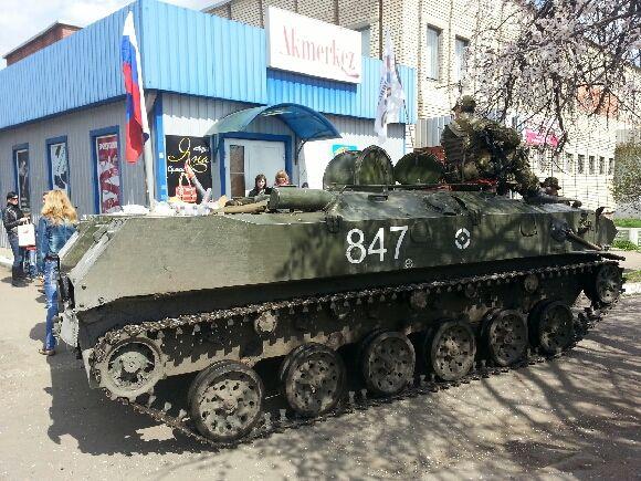 Séparatistes pro-russes à Slaviansk