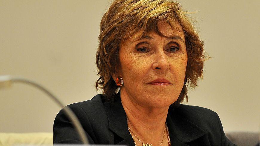 Edith Cresson était Premier ministre sous la présidence de François Mitterrand