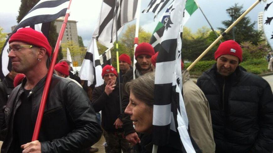 Des rassemblements sont organisés régulièrement quand les Bonnets rouges sont jugés.