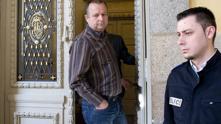 Guillaume Agnelet accuse son père d'avoir tué sa maîtresse, Agnès Le Roux, en 1977