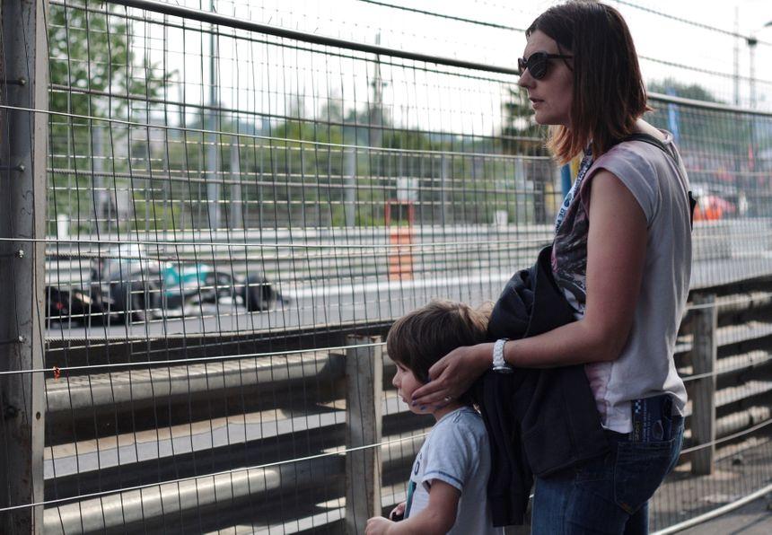 Virginie et son fils au Grand Prix de Pau