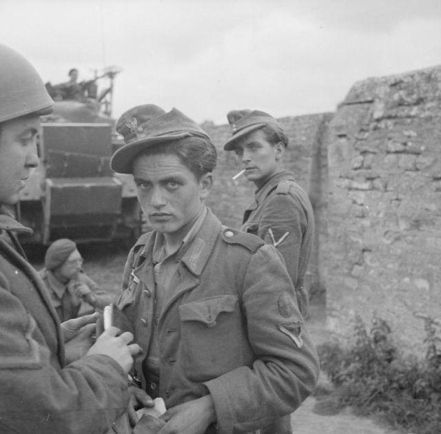 Soldats allemands capturés par l'armée britannique le 7 juin 1944