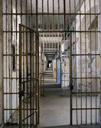 Prison Saint Anne - vues des couloirs et des cellules