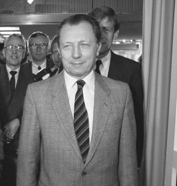 Le président de la Commission européenne, Jacques Delors,en visite à Bonn en 1988