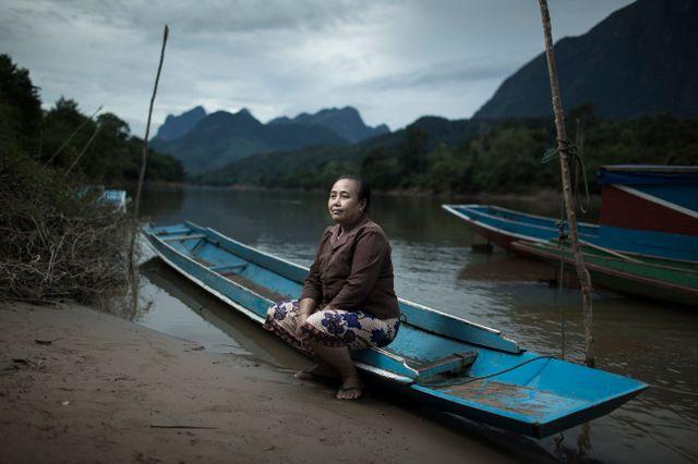 Madame Mii sur la rivière Nam Ou, au Laos