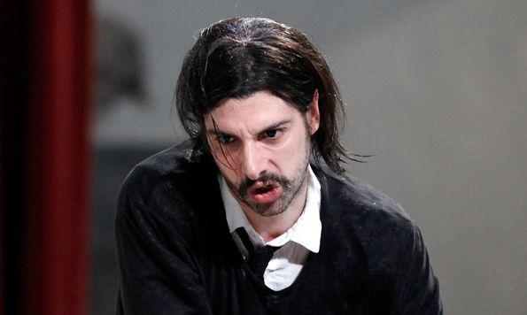 Micha Lescot est Tartuffe, mise en scène de Luc Bondy