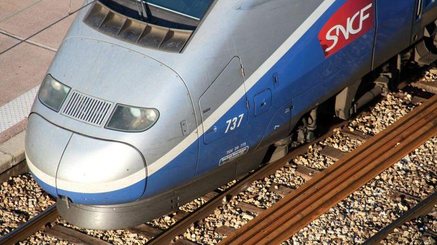 Le trafic des TGV est fortement perturbé.