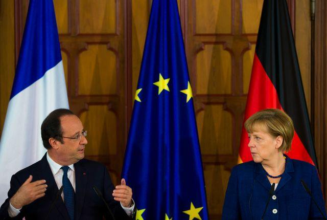 Hollande et Merkel haussent le ton face à Poutine