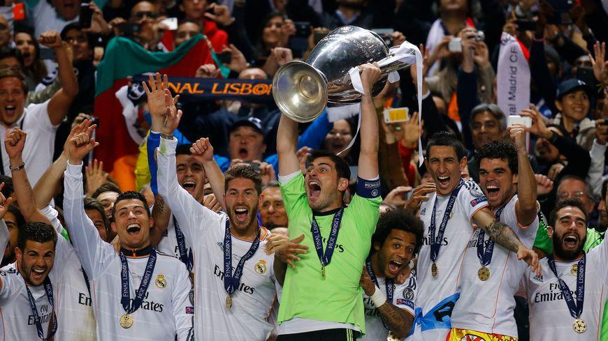 Le capitaine Iker Casillas soulève la 10e Ligue des Champions du Real Madrid