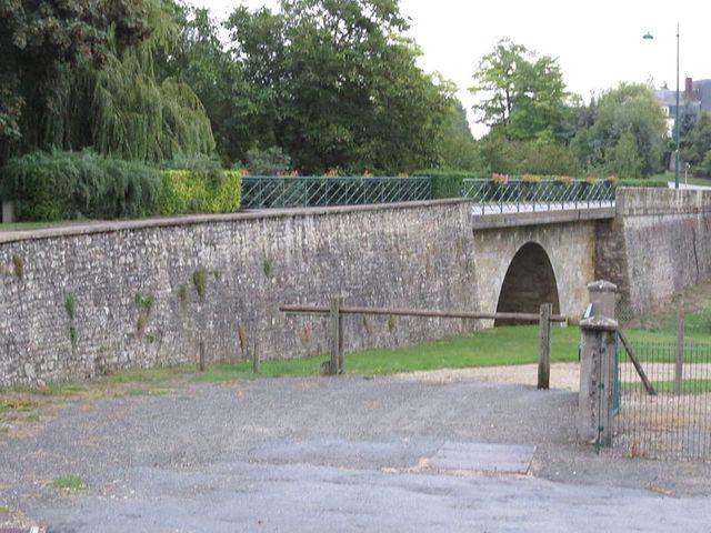 Escrennes - Pont