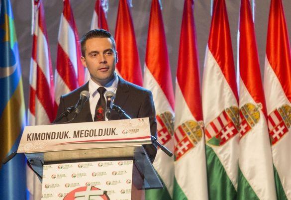 Gabor Vona, président du Jobbik, pendant la campagne des élections législatives hongroises (6 avril)