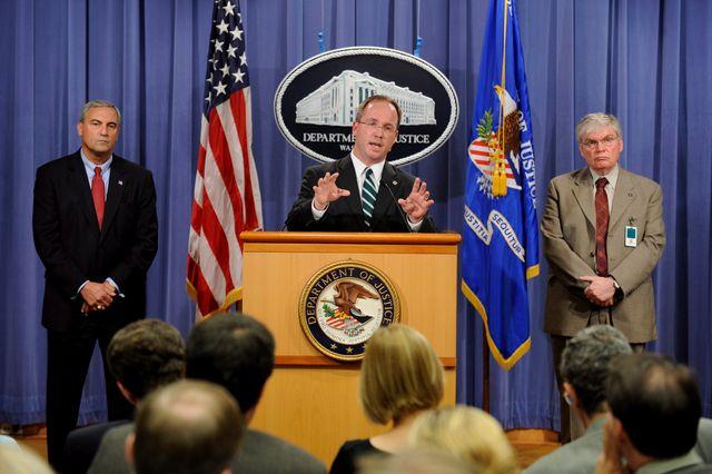 Conférence de presse du FBI après l'attaque à l'anthrax