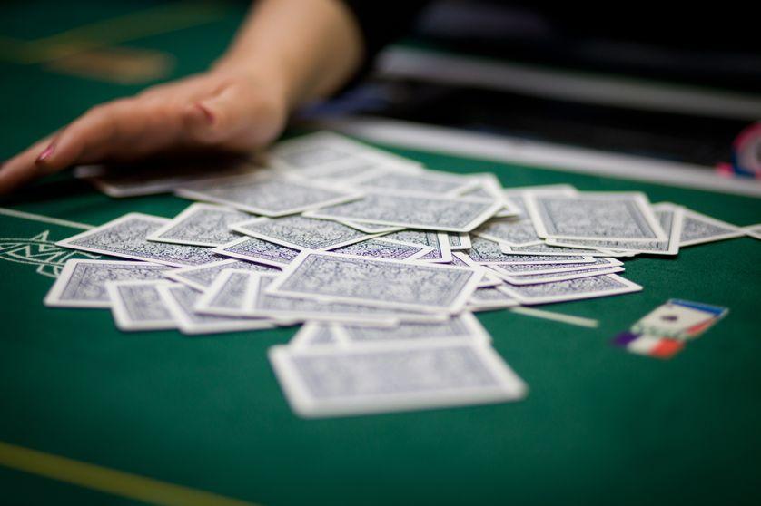 Le tapis et les cartes