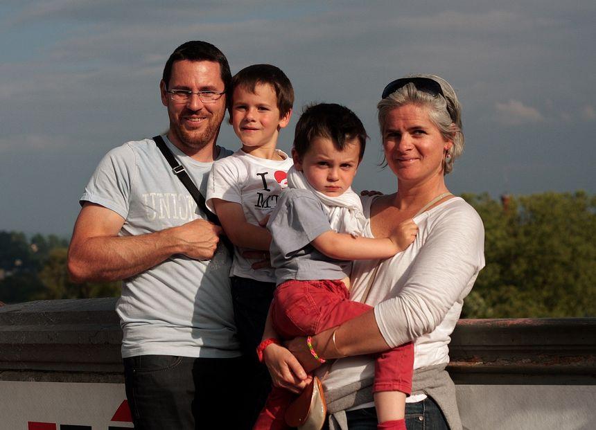 Hugo, Clement (les enfants) Fanny et Vincent au Grand Prix de Pau