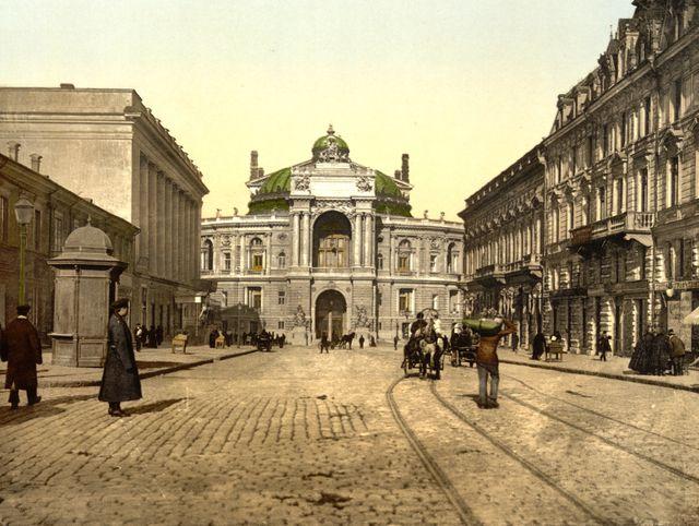 La rue Richelieu et l'Opéra dans les années 1890