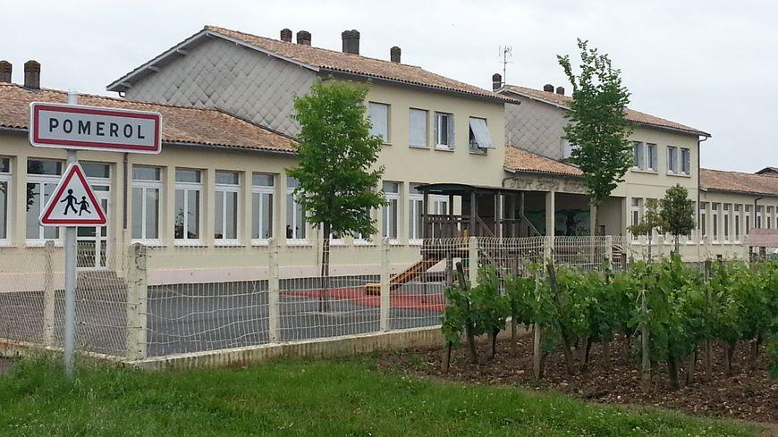 L'école de Pomerol au milieu des vignes