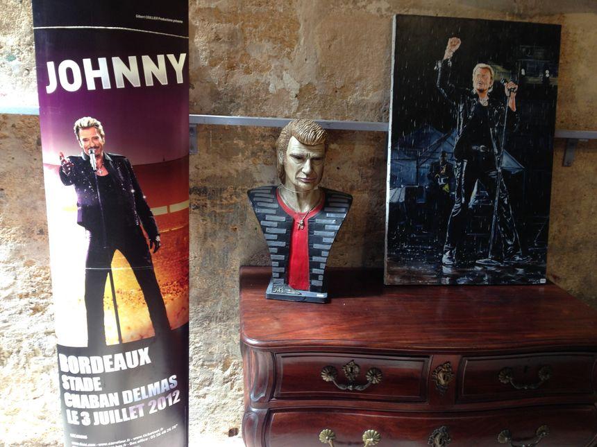 Des objets de la vente aux enchères consacrée à Johnny Hallyday