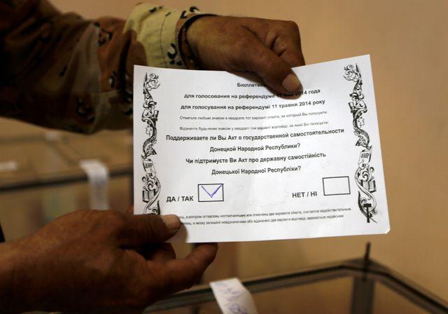 """Ukraine : l'Est vote pour son """"indépendance"""""""