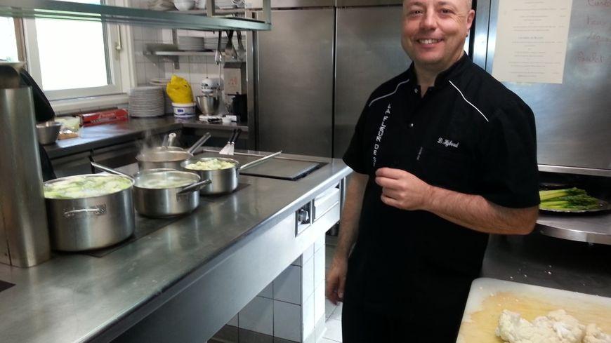 """Restaurant : """"La Fleur de Sel"""" à Cevins... Dominique Hybord, Chef mais aussi patron, nous ..."""