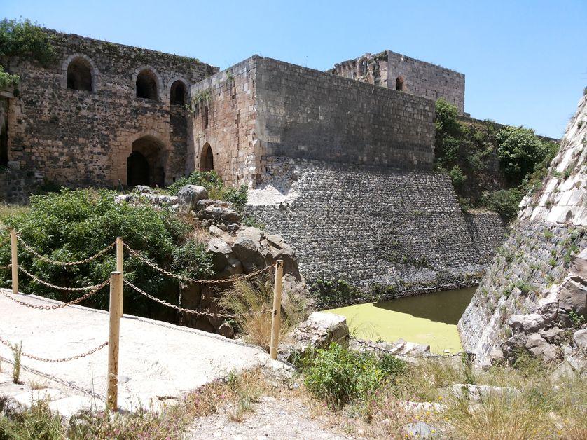 Krak des Chevaliers, la célèbre citadelle croisée du centre de la Syrie