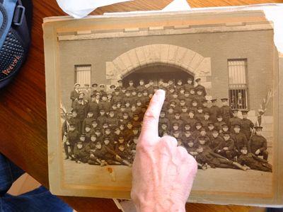 Jean-Claude Giguère montre son père soldat