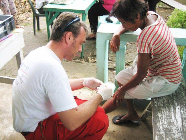 Dominique Bouley, responsable national des infirmiers de l'association Secouristes sans frontières, aux Philippines.