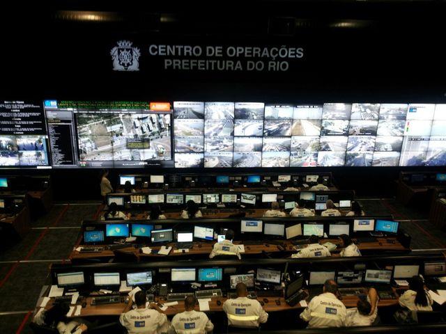 La salle de vidéosurveillance du COR, à Rio