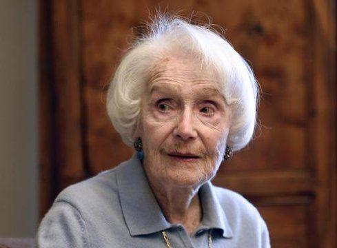 Gisèle Casadesus chez elle