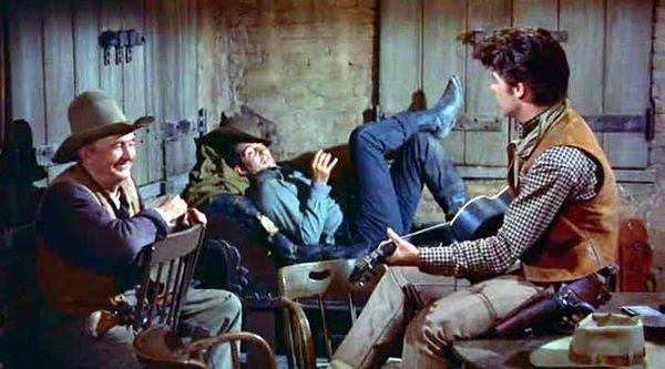 Walter Brennan, Dean Martin et Ricky Nelson dans RIO BRAVO (Howard Hawks, 1959)