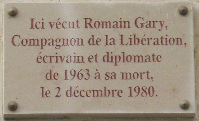 Romain Gary, plaque commémorative