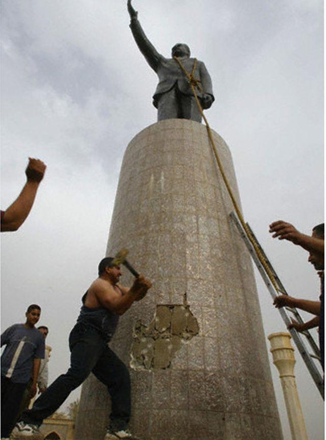 statue saddam hussein