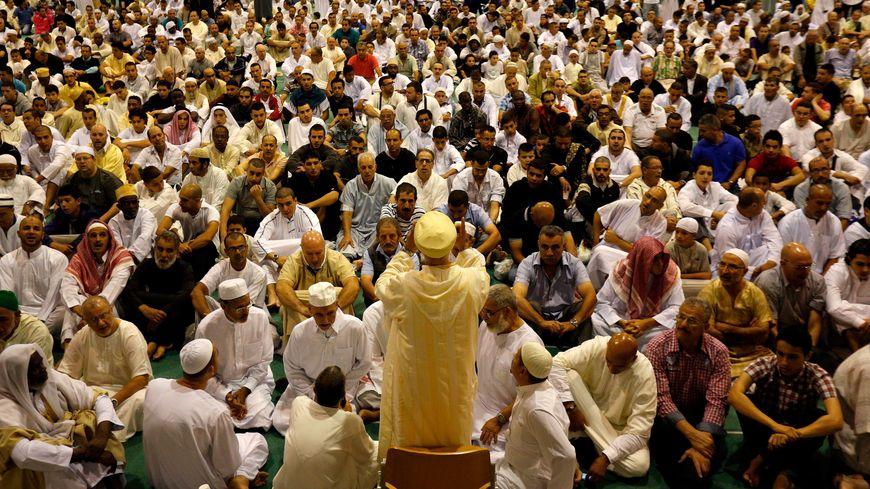 La grande prière de l'Aïd-el-Fitr, en 2013 à Marseille