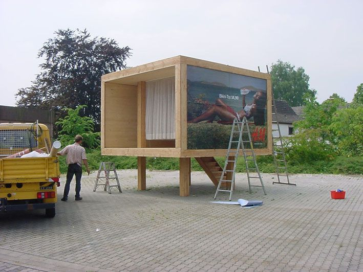 BILLBOARDTHAILANDHOUSE (Borken, 2000)A HOUSE FOR FREE, Alicia Framis 396 x396 x379 cm Programme : a house for free . women liber
