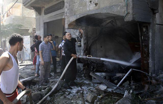 Immeubles détruits par les bombardements israéliens à Rafah dans la bande de Gaza