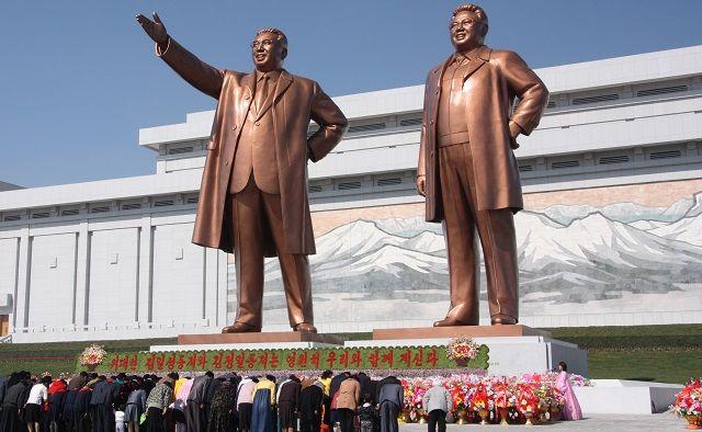 Statues de Kim Il-sung et Kim Jong-il à Pyongyang