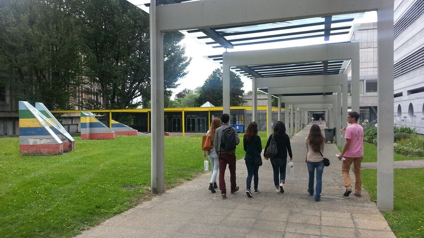 Les nouveaux bacheliers découvrent le Campus Carreire de l'Université de Bordeaux
