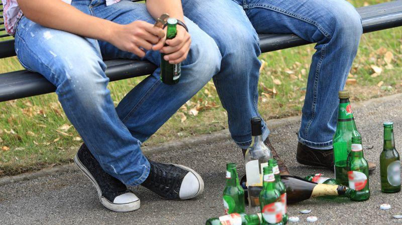 Alcool interdit dans les rues des Alpes-Maritimes